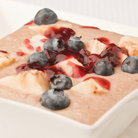 Oatmeal Banana Mousse with Blueberry Sauce