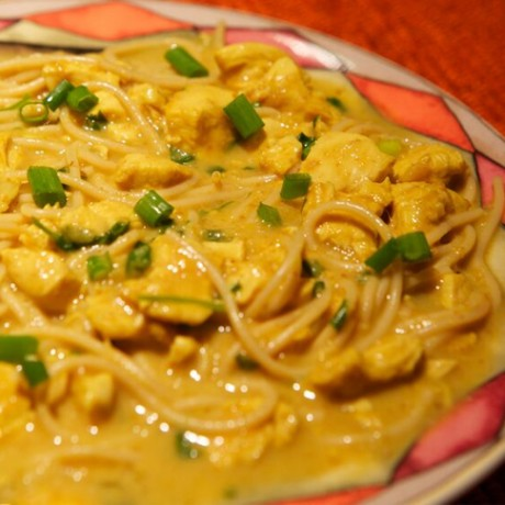 Coconut Curry with Noodles (Kadi Khause)